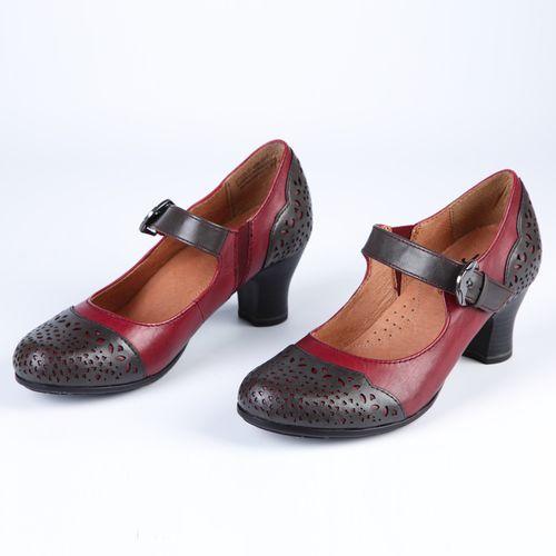 Туфли женские на ремешке с пряжкой и декоративной перфорацией