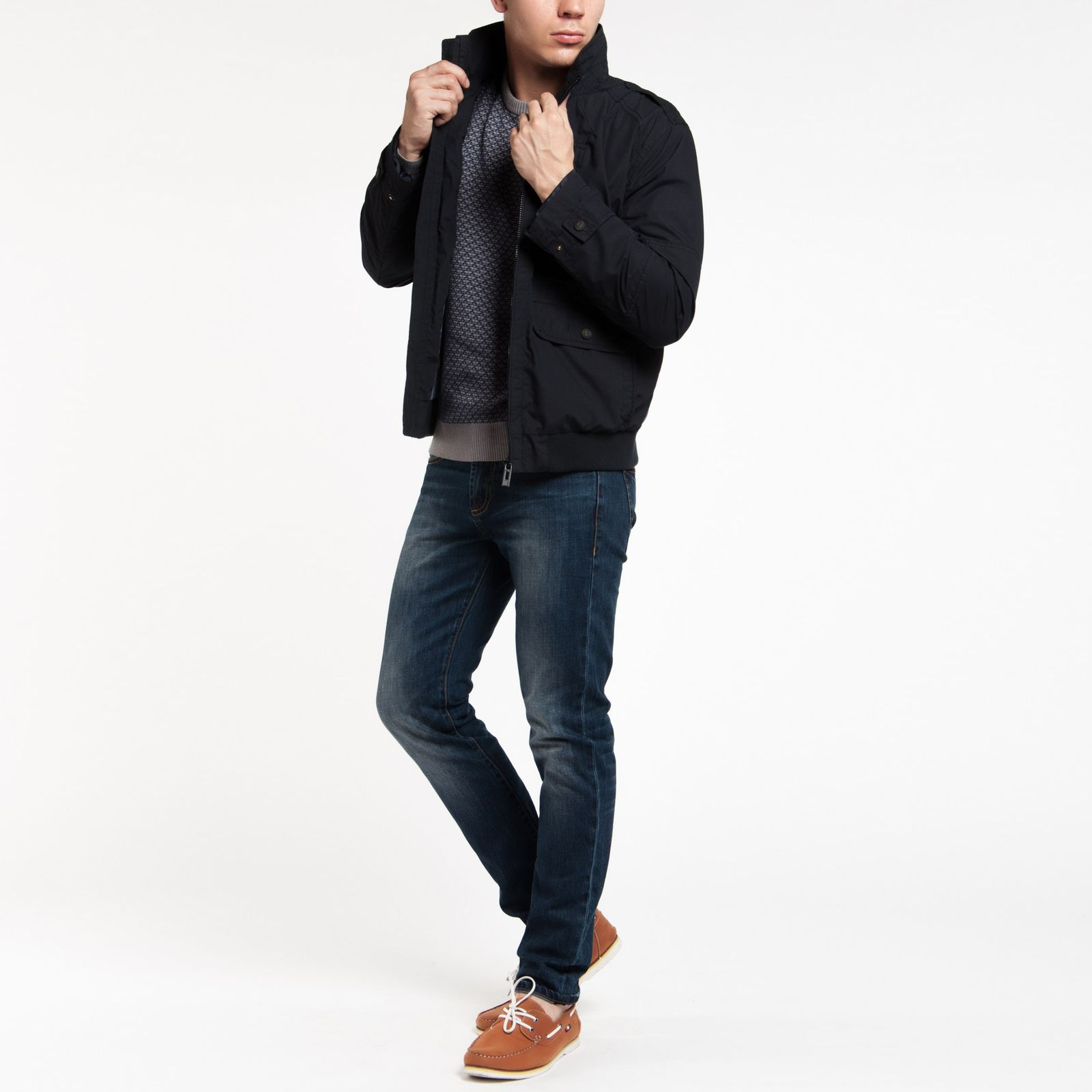 Ветровка мужская на молнии с карманами