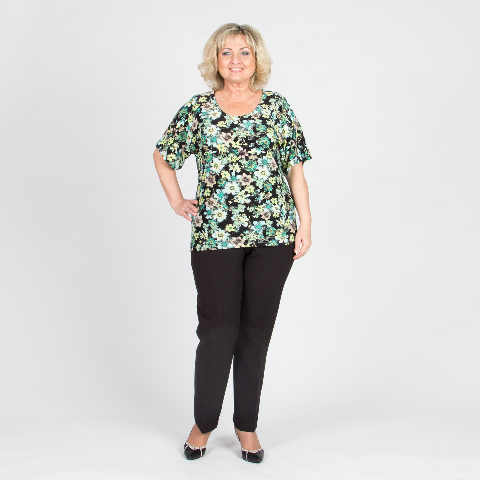 Блуза с цветочным принтом и рукавом «летучая мышь»